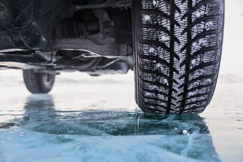 La normativa introduce l'obbligo di montaregomme da neve