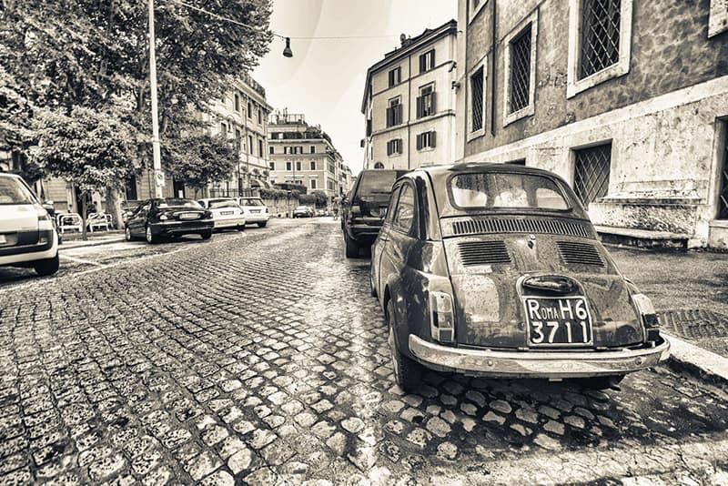 Nelle fiat 500 grazie alle piccole trazioni anteriori si riusciva a guidare sulla neve con i pneumatici estivi