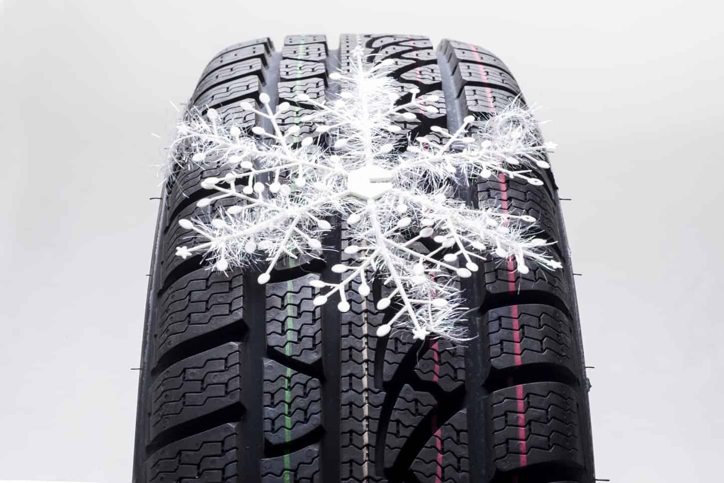 Gli pneumatici invernali superano specifici test che garantiscono la massima prestazione su neve, ghiaccio, bagnato e a basse temperature.