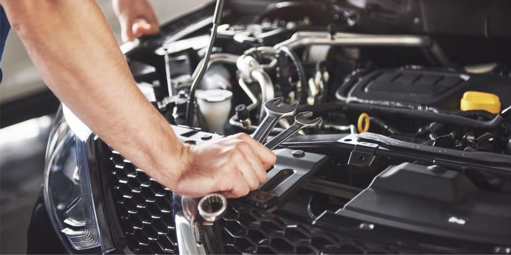motore auto e tagliando