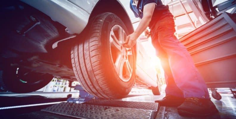 controllo pneumatici e freni auto
