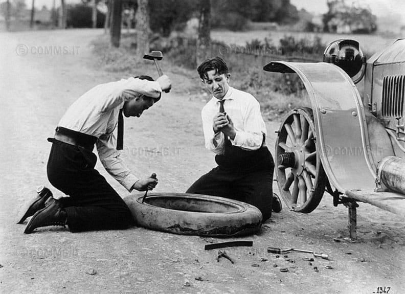 veicoli o auto che usavano ruote d'artiglieria: difficili da smontare