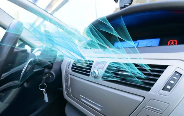 abitacolo auto con aria condizionata