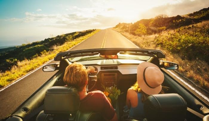 controllare l'auto prima delle vacanze