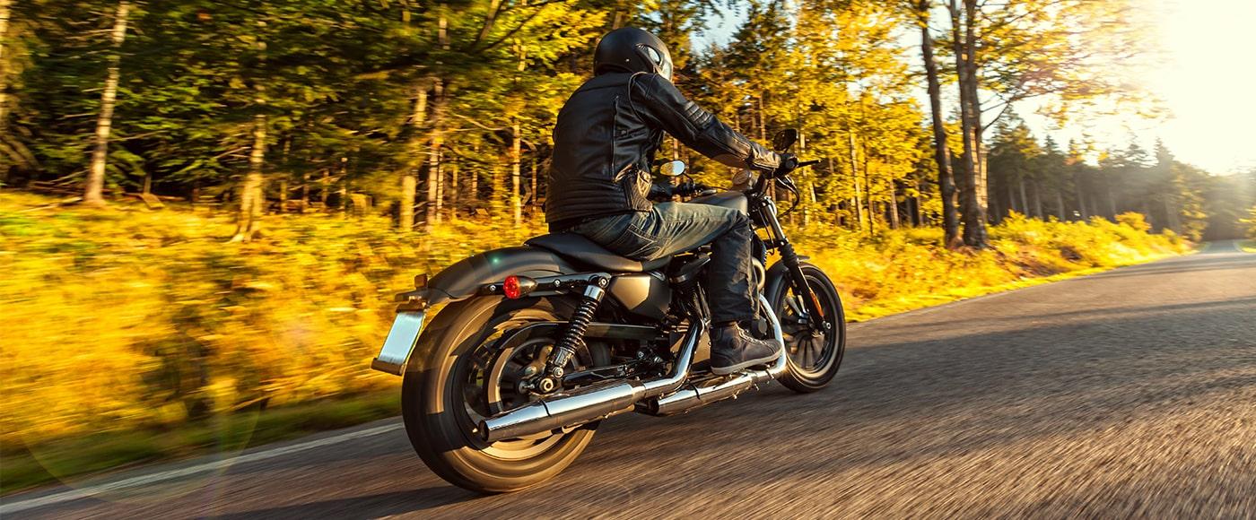 moto in autunno
