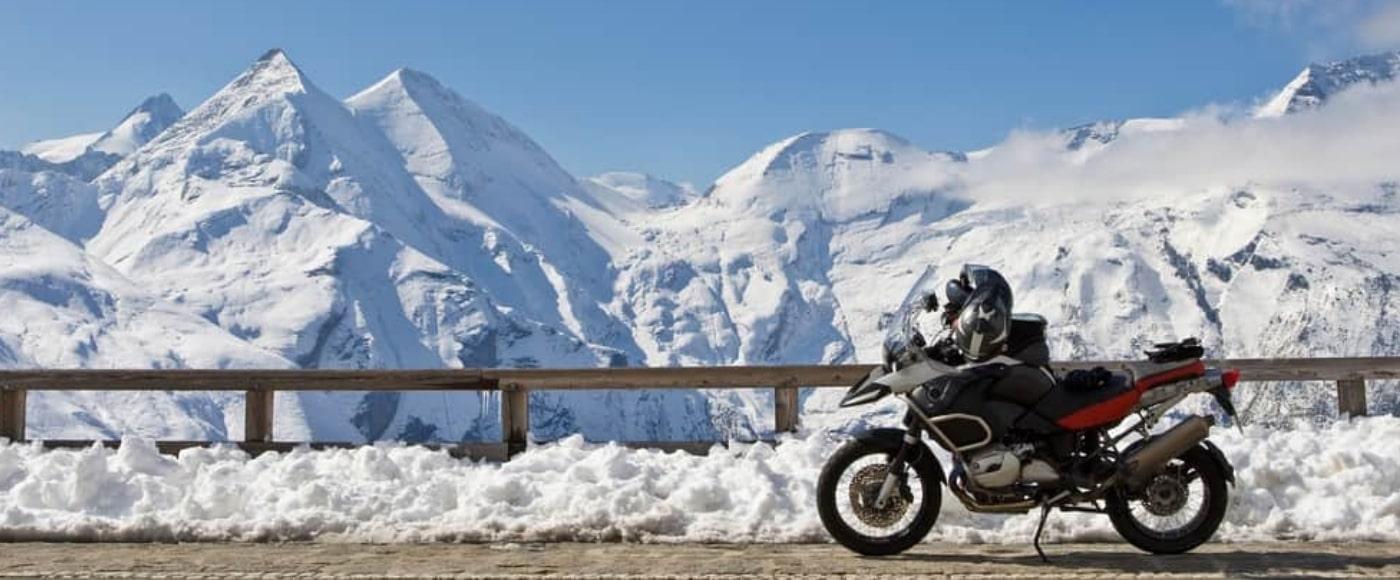 moto con pneumatici invernali